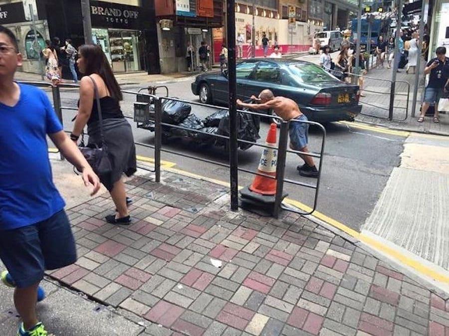 hong kong cart pusher